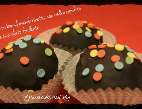 Bon bon al mandarinetto con cedro candito e cioccolato fondente