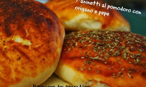 Paninetti al pomodoro con origano e pepe
