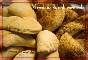 mezzelune dolci di carnevale
