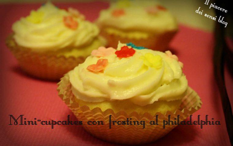 Mini-cupcakes con frosting al philadelphia