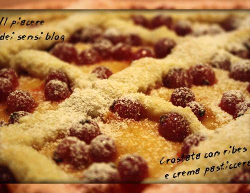 Crostata con ribes e crema pasticcera