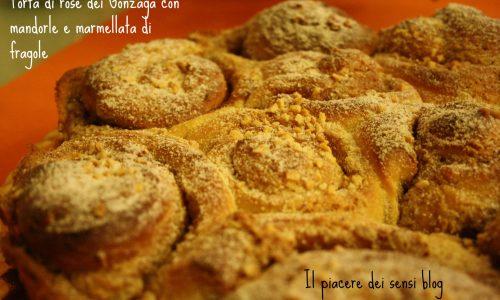 Torta di rose dei Gonzaga con mandorle e marmellata di fragole