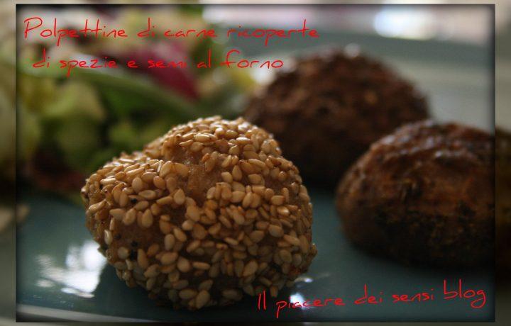 Polpettine di carne ricoperte di spezie e semi al forno
