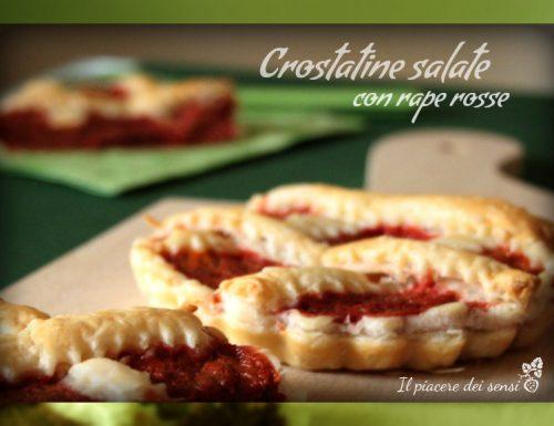 Crostatine salate con rape rosse