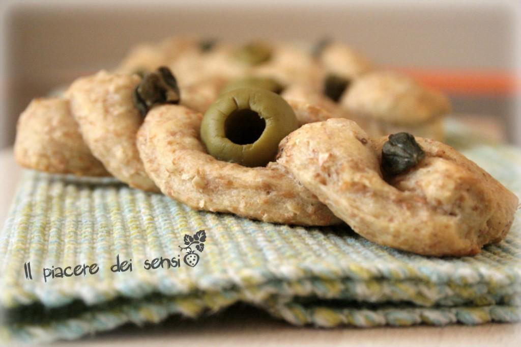 treccine con olive e capperi