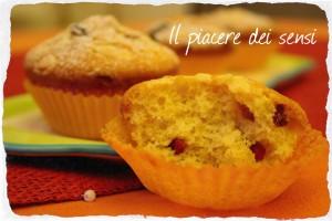 Muffins con bacche di goji e gocce di cioccolato bianco