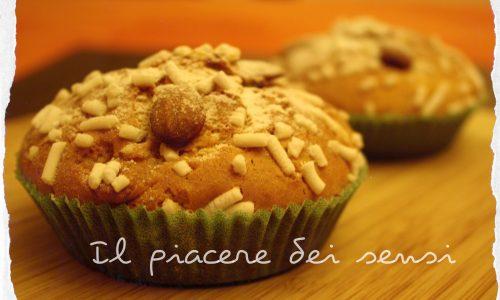 Muffins al marzapane con mandorle e granella di zucchero