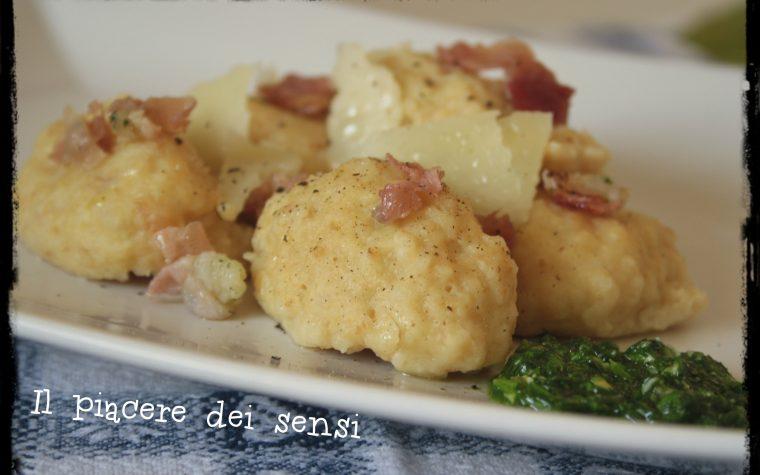 Gnocchi di pane con speck e pesto di rucola – Calhetas occitane
