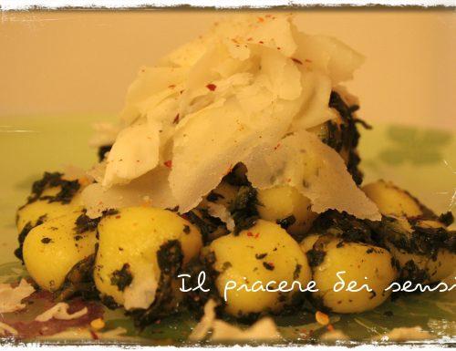Gnocchi con raspadura Bella Lodi (con spinaci e peperoncino)