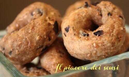 Taralli della serenità – Taralli integrali alle olive nere con distillato di iperico