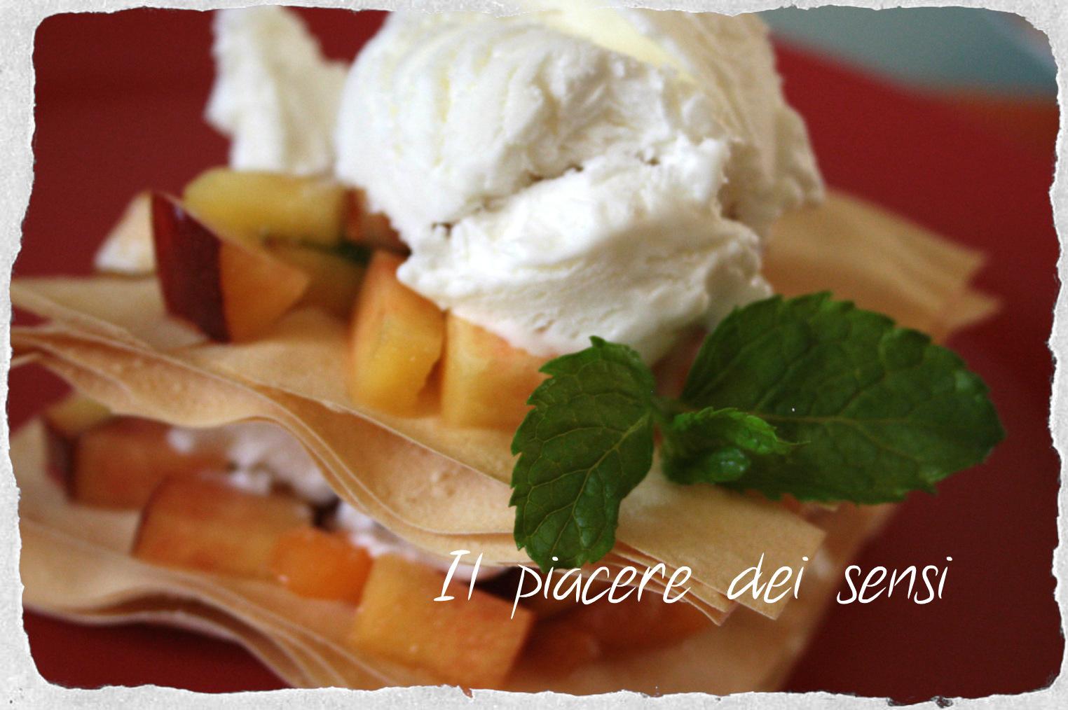 Pasta fillo con gelato velocissimo e pesche alla menta