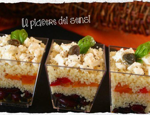Bicchierini di cous cous con peperoni in agrodolce, fagioli rossi e Schitz
