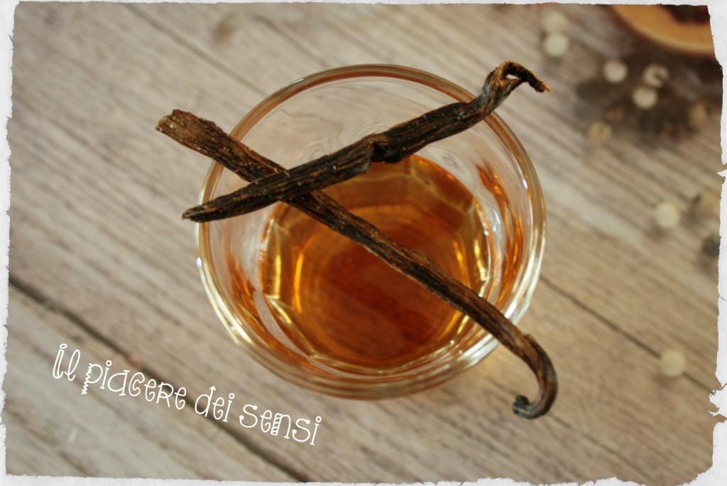 Liquore al te e alla vaniglia