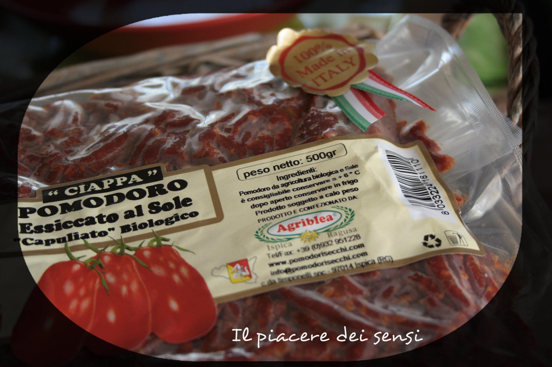 Gnocchetti sardi con zucchine, pomodori secchi e olive nere