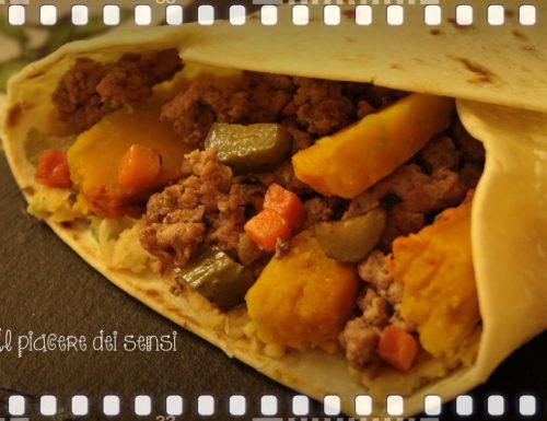 Mexican style piadina a modo mio (con zucca e cetriolini)