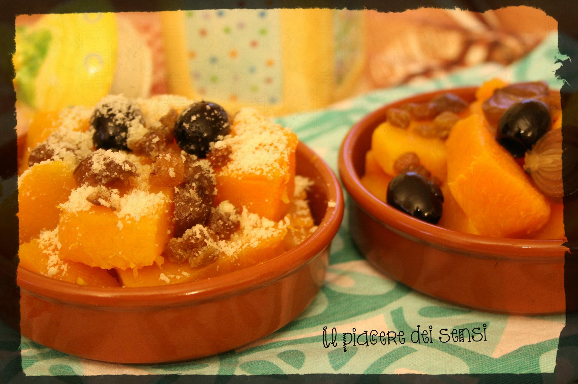 Zucca con cipolle borretane, uvetta, olive nere e semi di sesamo
