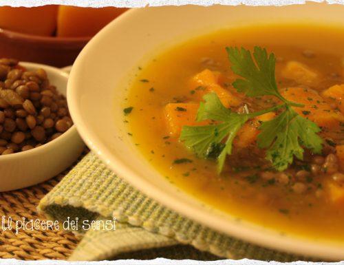 Zuppa di lenticchie e zucca con coriandolo e cumino