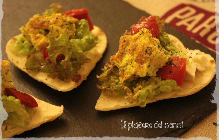 Cuori di piadina con stracchino, frittatina e peperoni in agrodolce