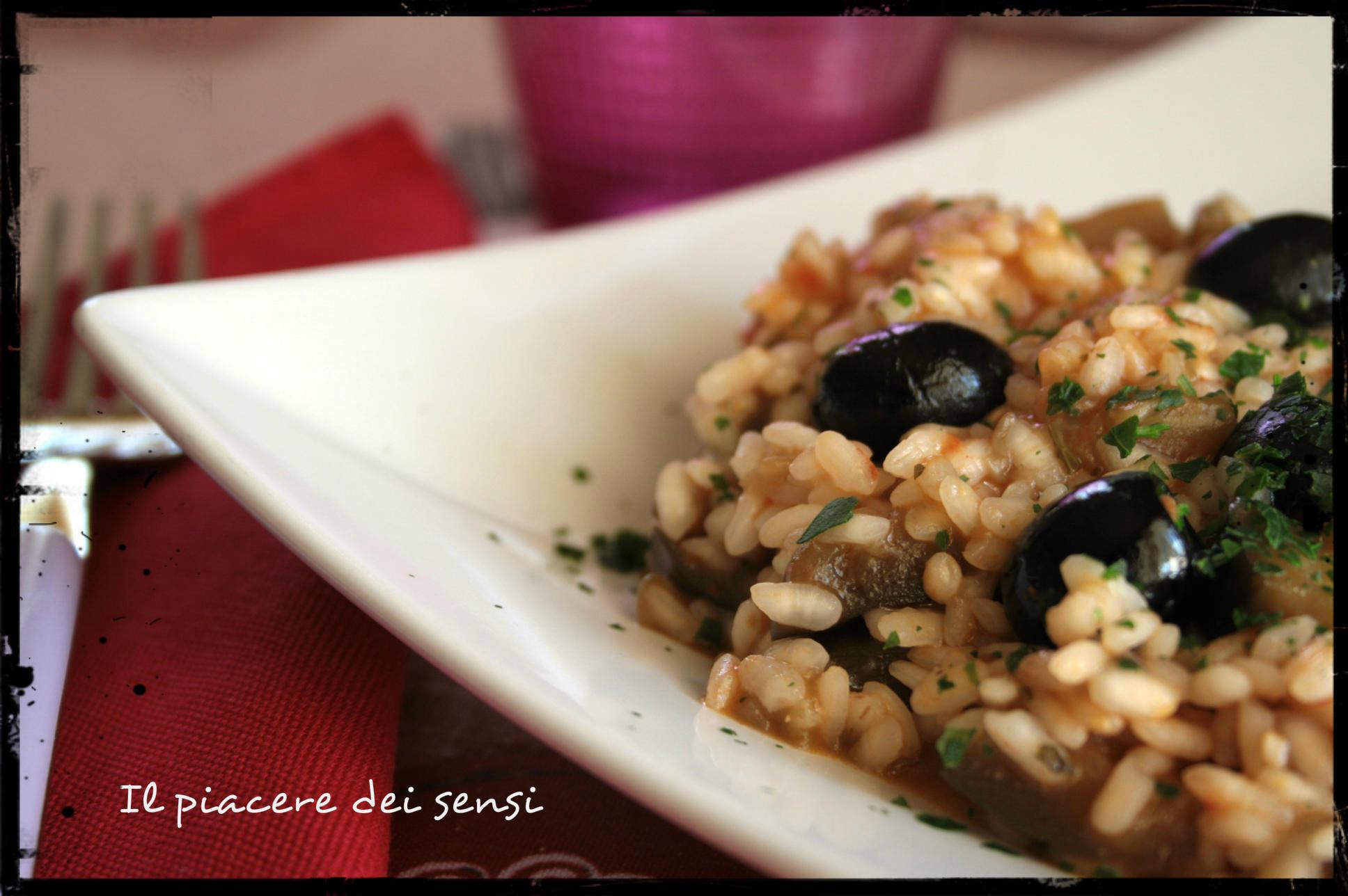 Risotto con melanzane, olive nere e peperoncino