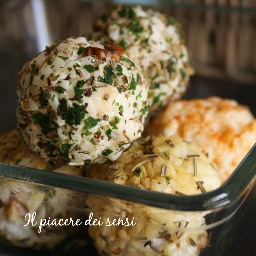 Polpettine di riso con noci ed erbe