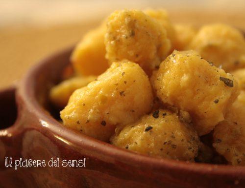 Gnocchi di patate e zucca con erbe aromatiche