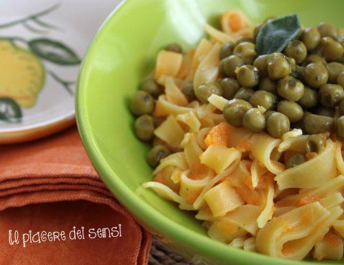 Maltagliati con piselli e carote