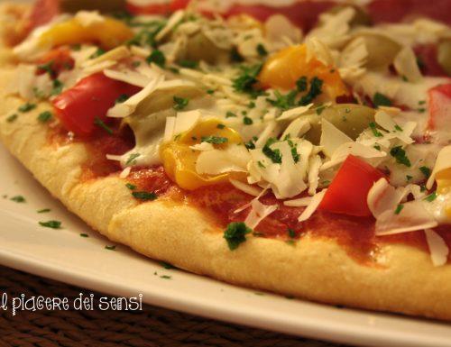 Pizza primavera con peperoni, olive e anacardi – metodo Bonci