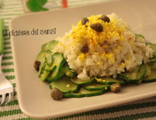 Riso mimosa con zucchine e capperi