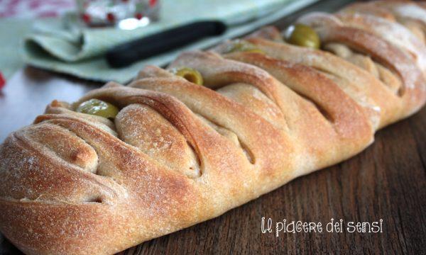 Intreccio di pane al farro