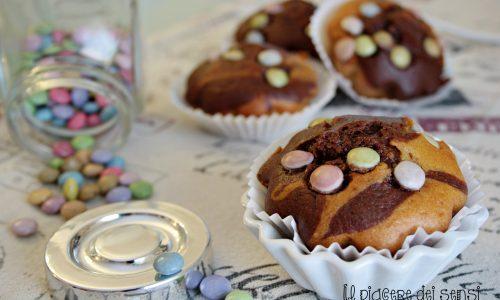 Muffins bicolori allo yogurt con Smarties