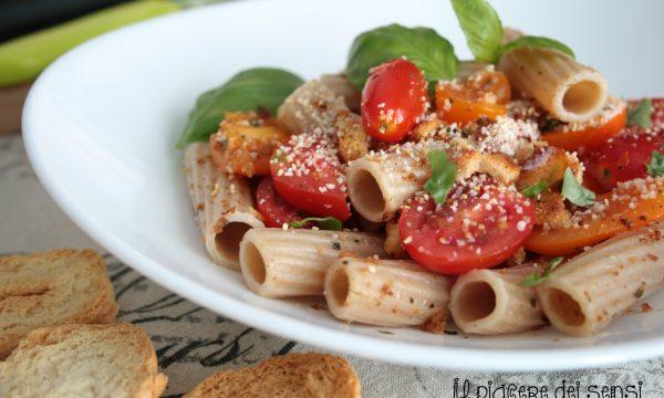 Pasta alla crudaiola con frisella e pomodorini
