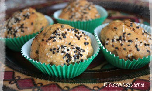 Muffins con sesamo e pistacchi