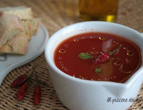 Zuppetta di pomodoro con peperoncino