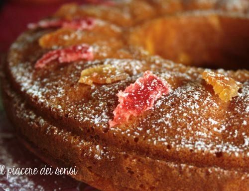 Torta autunnale con zucca e frutta candita