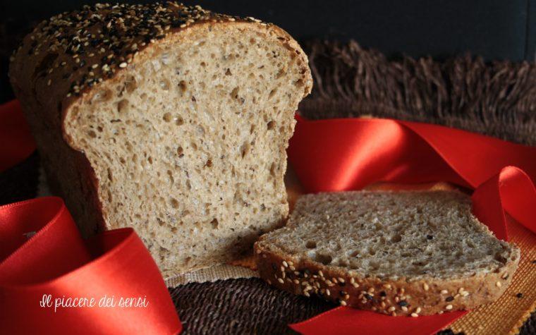 Pane al farro con semi vari – con e senza la macchina del pane