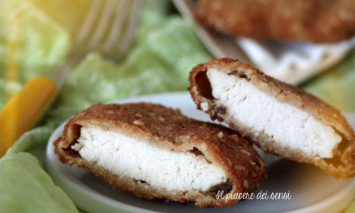 Straccetti di pollo fritti alla salvia e semi di sesamo