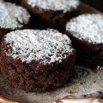 Tortine con fagioli neri e cioccolato fondente