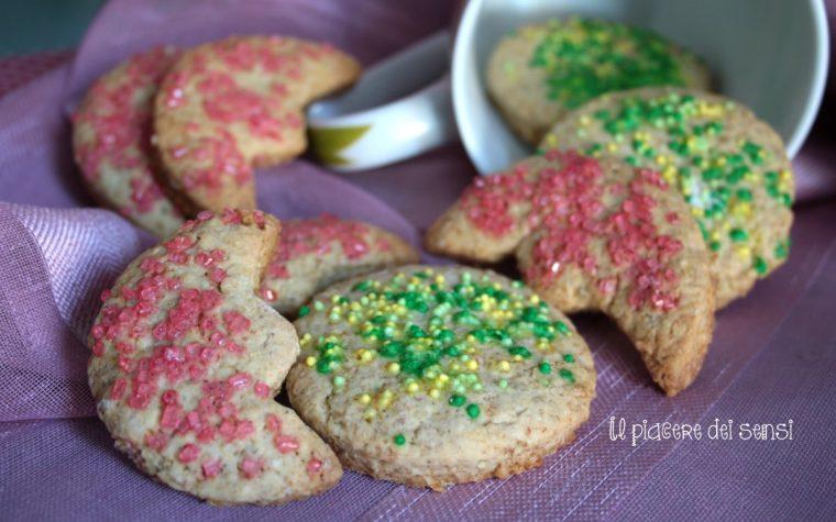 Biscotti sole e luna ai cereali