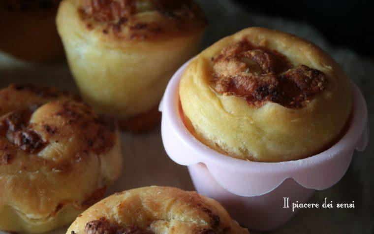 Muffins speck e radicchio (con lievito di birra)