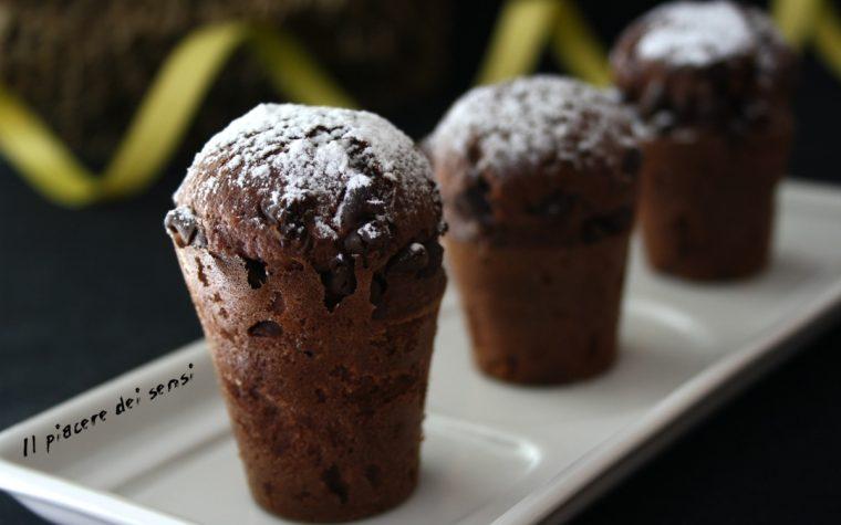 Mini muffins al cacao con gocce di cioccolato