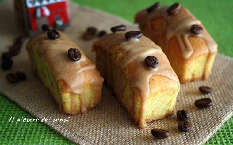 Plumcakes di grano saraceno con glassa al caffè