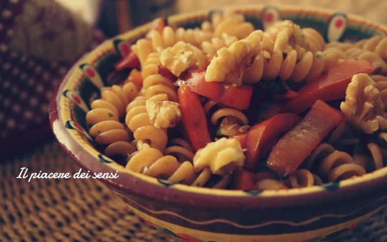 Pasta al farro con peperoni e noci