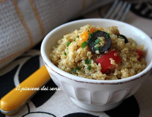 Quinoa con peperoni ed olive con citronette all'arancia