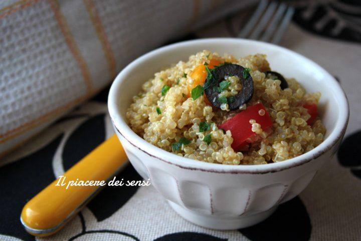 quinoa con peperoni ed olive