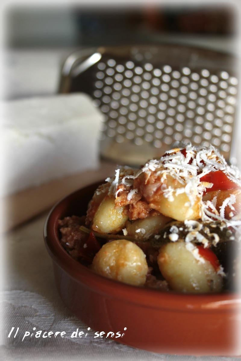 Gnocchi al ragu di carne e peperoni