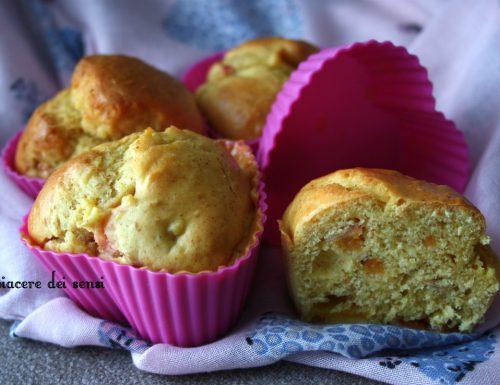Muffins alle pesche senza zucchero nè latticini