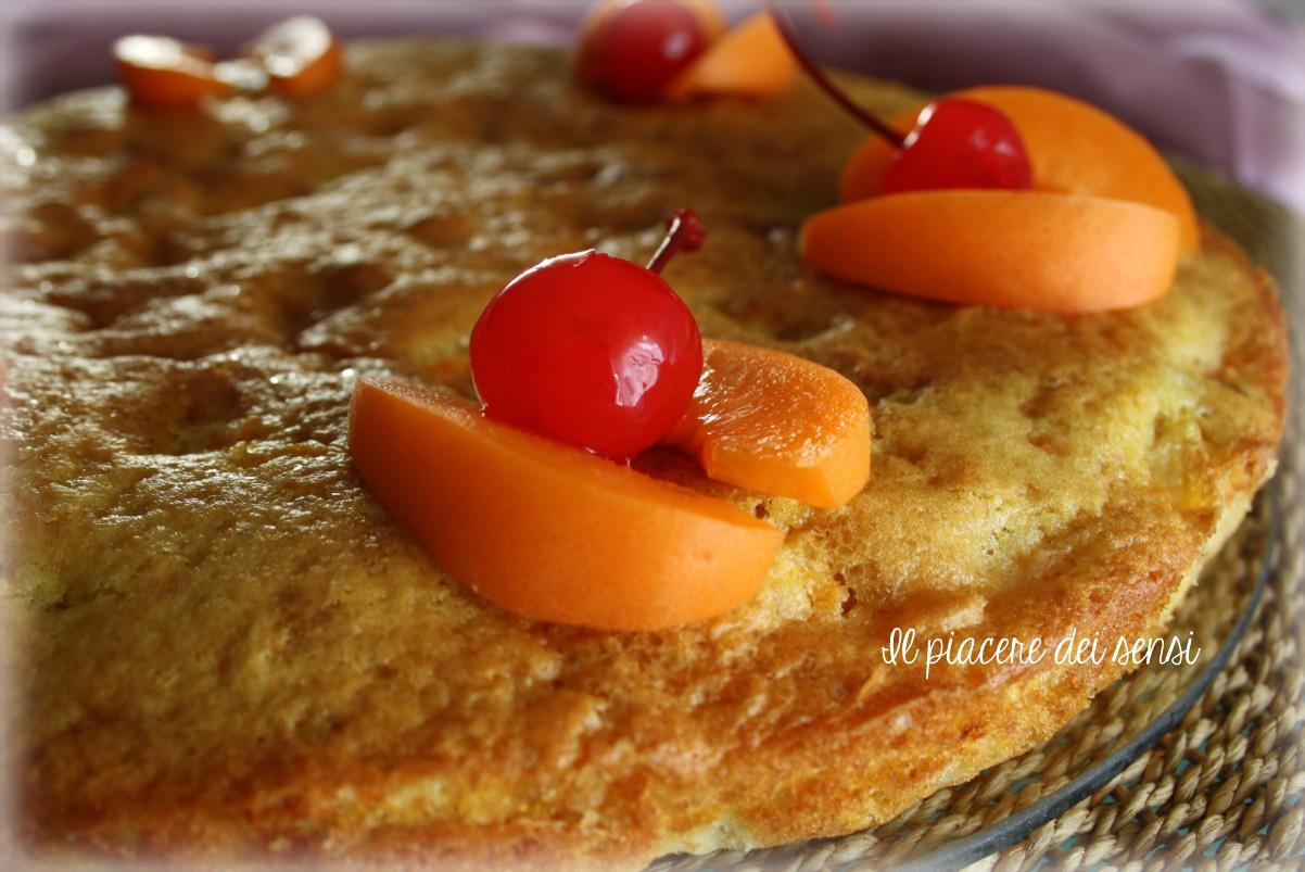 torta con macedonia di frutta