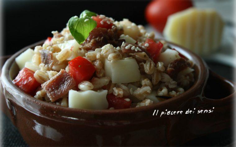 Farro con patate, acciughe e pomodorini
