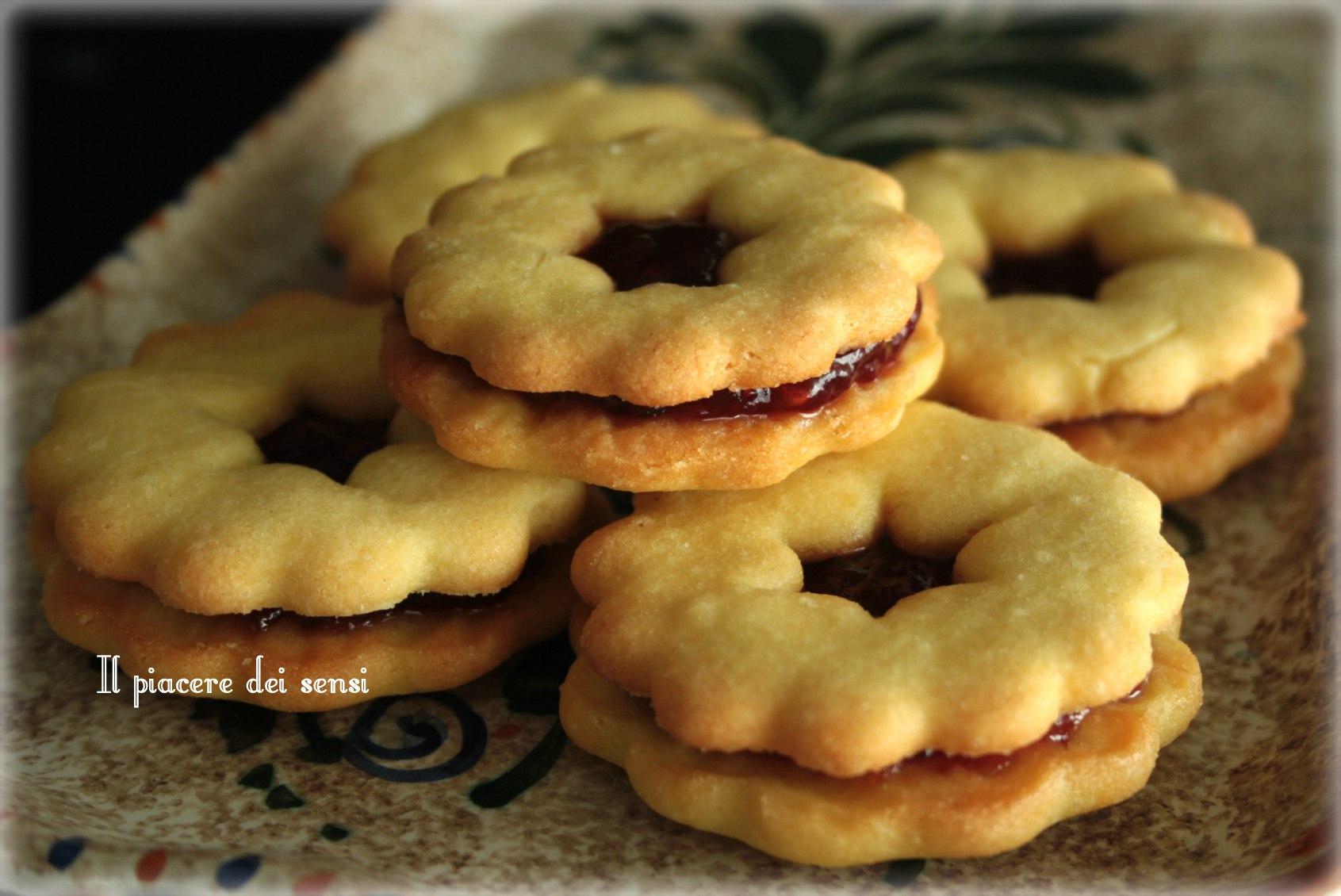 Biscotti di frolla con confettura