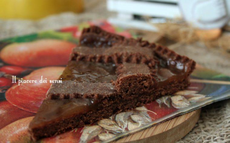 Crostata al cacao e grano saraceno con confettura di mela cotogna